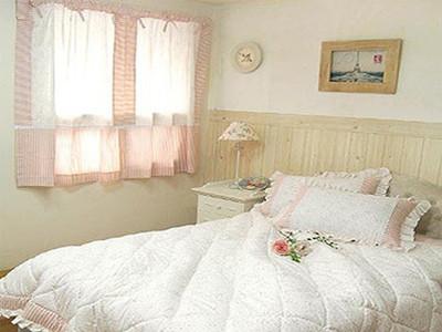 小女孩房间正方形的房间设计图片展示